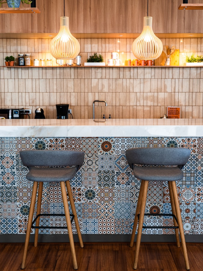 Bold seating for kitchen improvement